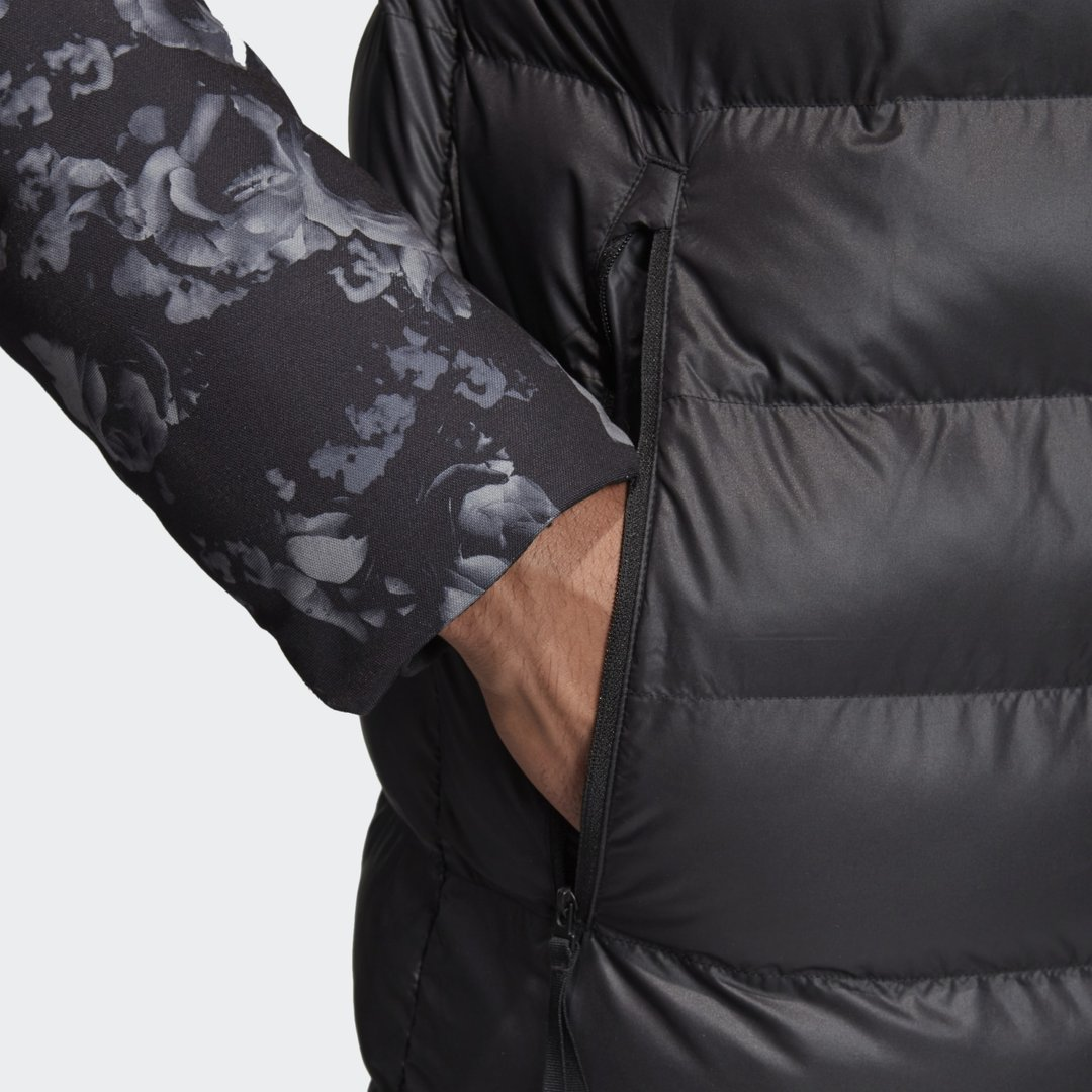 Manchester_United_Seasonal_Special_Padded_Jacket_Black_DX9066_42_detail.jpg