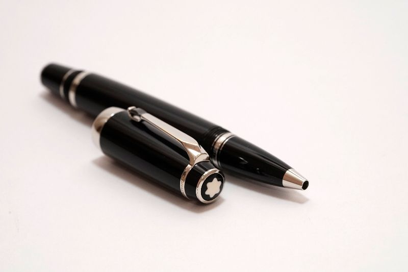 Montblanc-Boheme-With-Synthetic-Onyx-Noir-Stone-RB-2.jpg