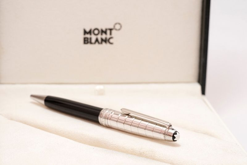 Montblanc-Meisterstuck-Solitaire-Doue-Stainless-Steel-2.jpg