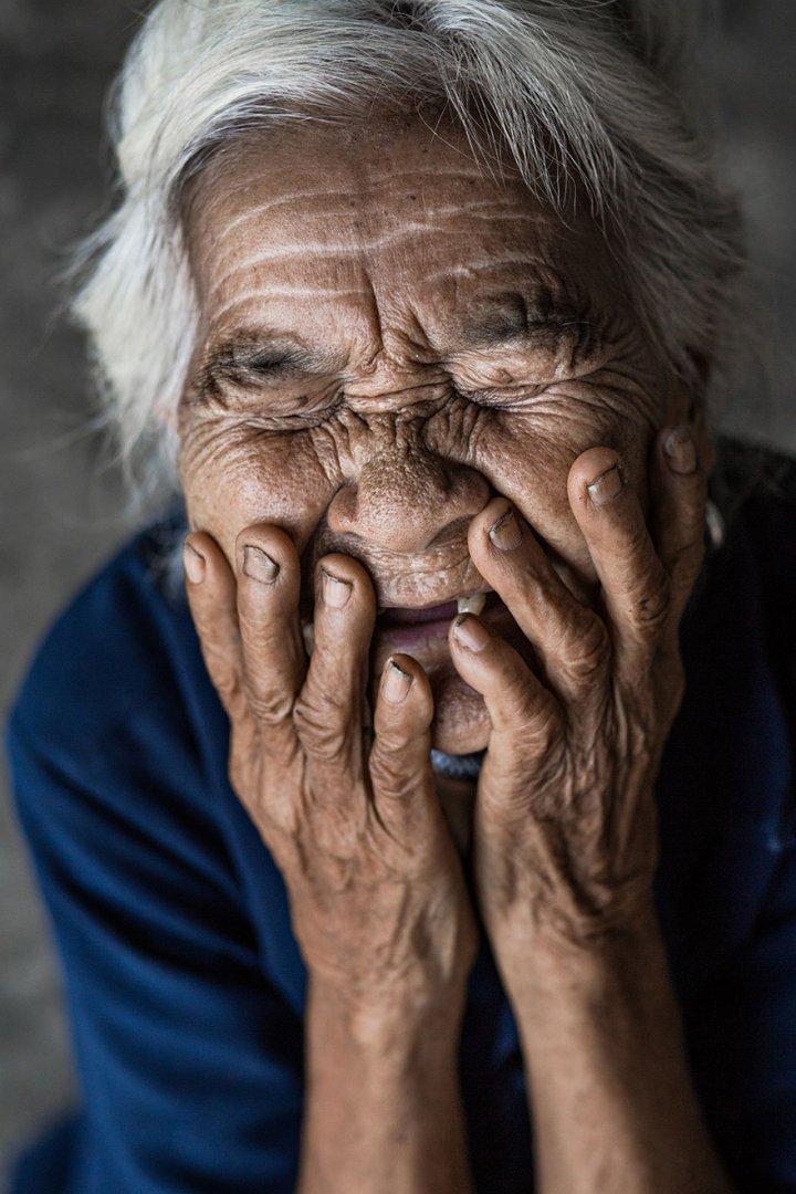 portrait-photography-hidden-smiles-vietnam-rehahn-2.jpg