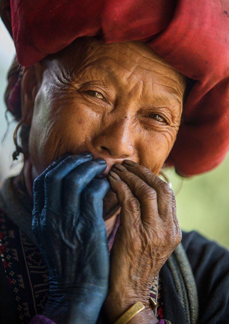 portrait-photography-hidden-smiles-vietnam-rehahn-3.jpg