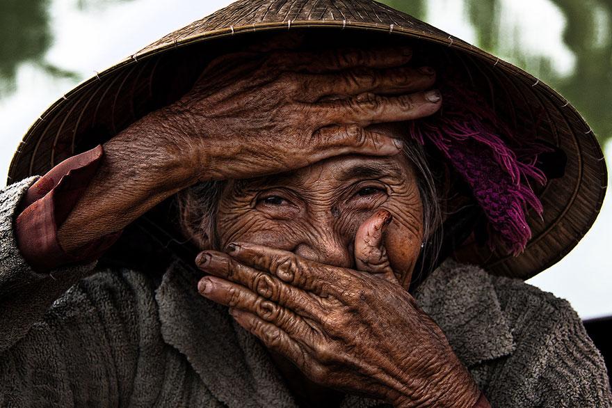 portrait-photography-hidden-smiles-vietnam-rehahn-6.jpg