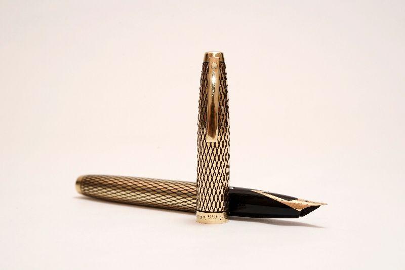 Sheaffer-Imperial-Sovereign-14KT-Gold-Filled-Diamond-Guillochè-b.jpg