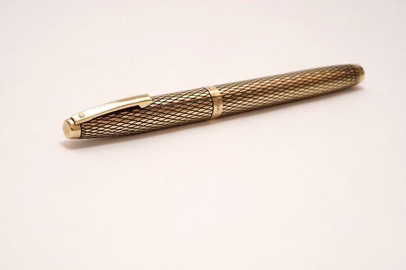 Sheaffer-Imperial-Sovereign-14KT-Gold-Filled-Diamond-Guillochè-h.jpg
