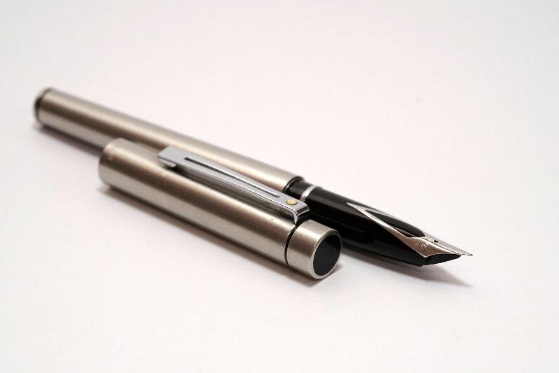 Sheaffer-Targa-1001-Stainless-Steel-1.jpg