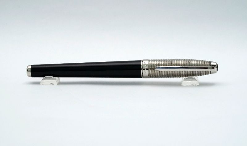 ST-Dupont-Elysee-Stainless-Steel-Black-Lacquer-8.jpg